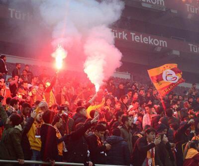 Galatasaray derbi maçın hazırlıklarını taraftarı önünde tamamladı
