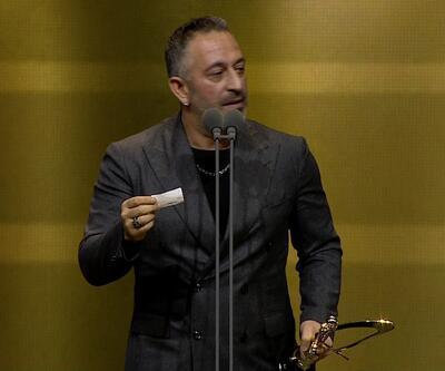 Cem Yılmaz Altın Kelebek'te şov yaptı