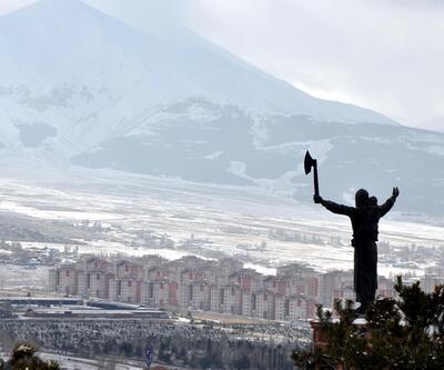 Nene Hatun heykelindeki 24 yıllık hata düzeltildi