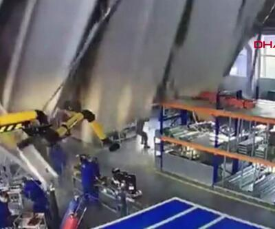 Fabrikanın çatısı işçilerin üzerine çöktü