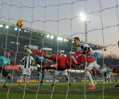 10 kişi kalan Juventus puan kaybetti