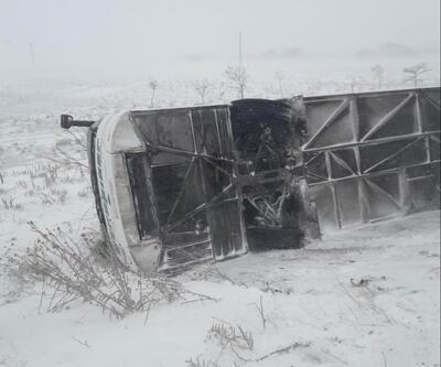 Konya'da yolcu otobüs şarampole devrildi