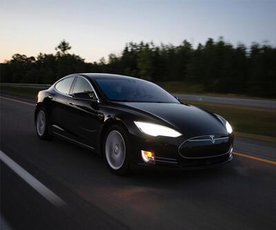 Bu otomobili hackleyene Tesla Model 3 hediye
