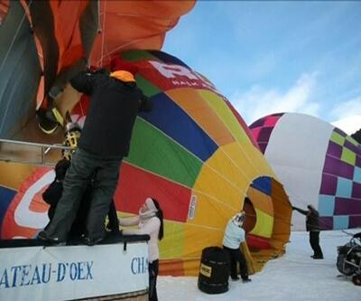 Gökyüzü rengarenk balonlarla süslendi