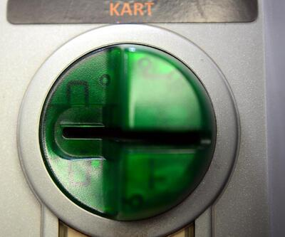 Banka görevlisi oyunu bozdu... ATM'ye düzenek yerleştirdiler
