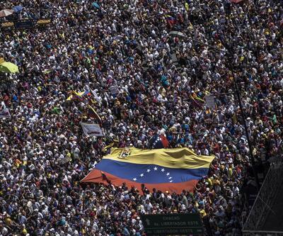 Venezuela'da taraflar yeniden sokakta