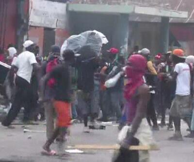 Haiti'de halk sokaktan çekilmiyor!