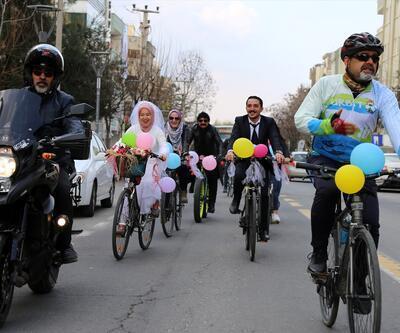 Bisiklet turunda tanıştılar, böyle evlendiler