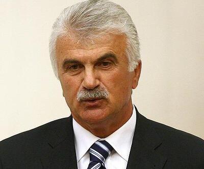 Son dakika... Devlet eski Bakanı Fikret Ünlü hayatını kaybetti