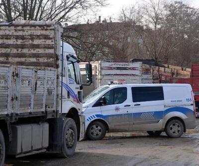 Taşköprü'de 6 kamyonun teybi çalındı