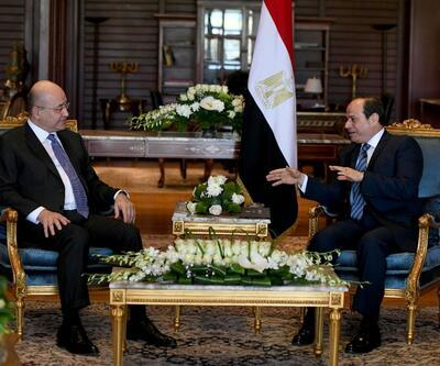 """Salih ile Sisi görüşmesinde """"bayrak krizi"""" tartışması"""