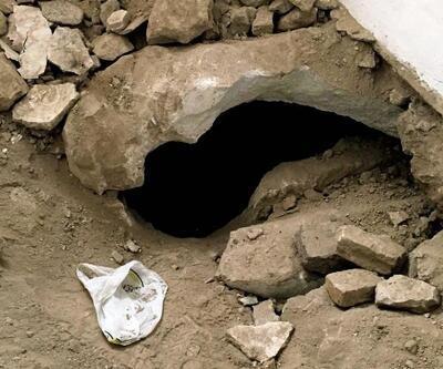 Evi kiralayıp, kaçak kazı yaptılar; Roma dönemi kaya mezarı tahrip ettiler