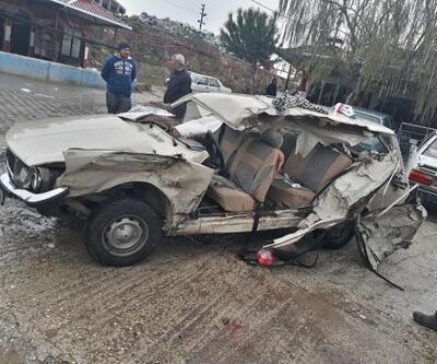 Manisa'da TIR ile otomobil çarpıştı: 1 ölü, 6 yaralı