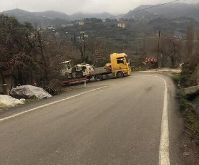 TIR yolda kaldı, yol ulaşıma kapandı