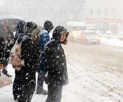 Tokat'ta kar yağışı ulaşımı aksattı