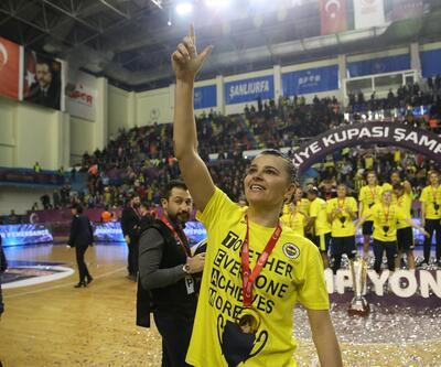 Bakan Kasapoğlu Fenerbahçe'yi tebrik etti