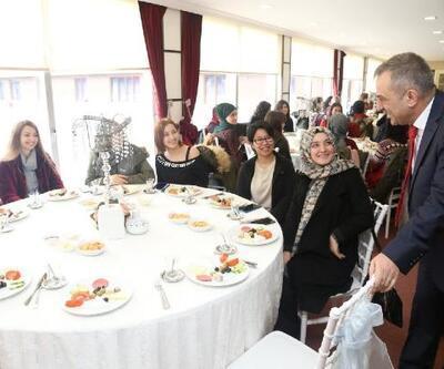Sağıroğlu üniversite öğrencileriyle buluştu