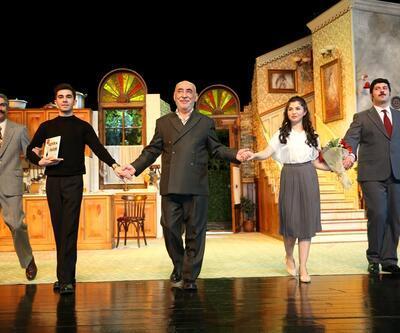 Şener Şen 'Zengin Mutfağı' ile sahnede