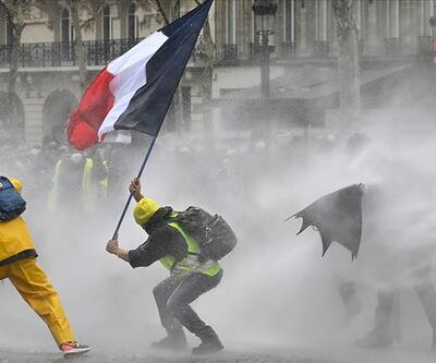 Fransa'da tartışmalı yasa tasarısı onaylandı