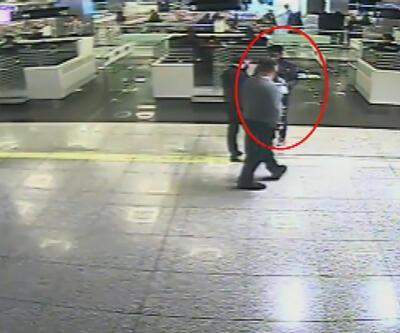 Atatürk Havalimanı'nda Nijerya uyruklu yolcunun midesinden 1 kilogram kokain çıktı