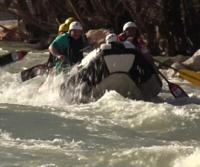 Sanayi Bakanı Munzur'da rafting yaptı