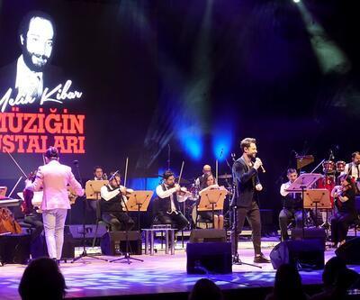 """Melih Kibar besteleri """"Müziğin Ustaları"""" konserinde"""