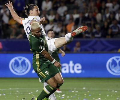 Ibrahimovic'in akrep vuruşu bu kez direğe takıldı