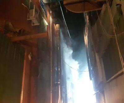 Bayrampaşa'da korkutan depo yangını