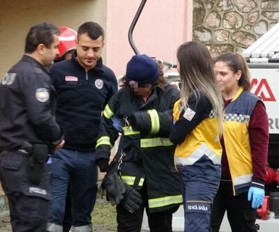 Kocaeli'de 9 katlı binanın çatısına çıkan kızı, polis ikna etti
