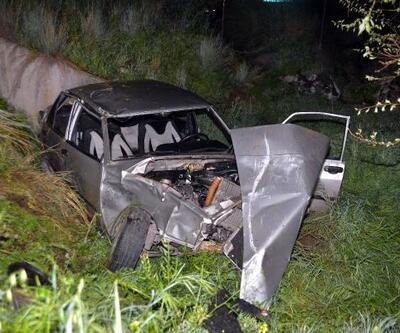 Otomobil, şarampole yuvarlandı: 1 ölü, 3 yaralı
