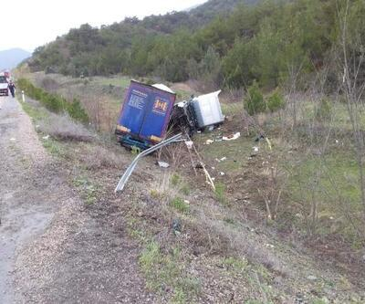 Sinop'ta devrilen TIR'ın sürücüsü öldü