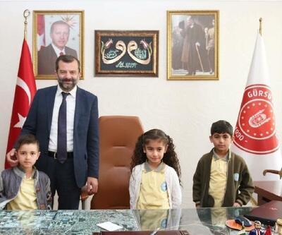 Gürsu Belediye Başkanı Işık'ın makamına küçük Mustafa oturdu