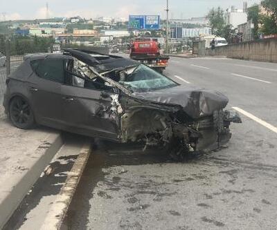 TIR'a çarpan otomobilin tekeri fırladı
