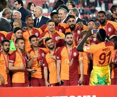 Galatasaray rakipleriyle arasındaki kupa farkını açıyor