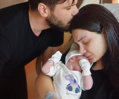 Bebeğinin yüzünü ilk kez gösterdi!