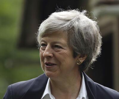 İngiltere'de Theresa May'e büyük şok