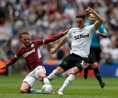 Aston Villa Premier Lig'e geri döndü