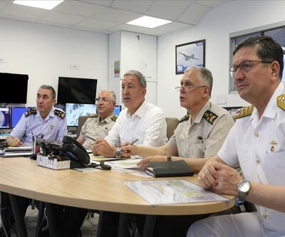 Bakan Akar ve komutanlar Hakurk'a düzenlenen operasyonu böyle yönetti