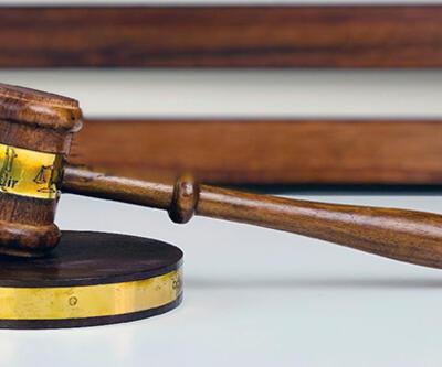Son dakika: Avukata etek boyu nedeniyle tepki gösteren hakim görevden uzaklaştırıldı
