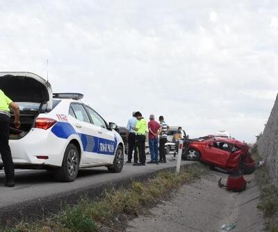 Bayram ziyaretine giden aile kaza geçirdi: 1'i ağır, 6 yaralı
