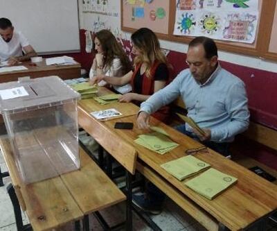 Yusufeli'de oy verme işlemi başladı