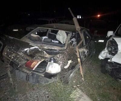 Kırıkkale'de bariyerlere çarpan otomobil takla attı: 4 yaralı
