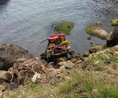 Otomobil, uçurumdan denize kıyısına yuvarlandı