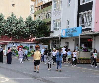 Esenler'de YKS öncesi öğrencilere çay ve çorba ikramı