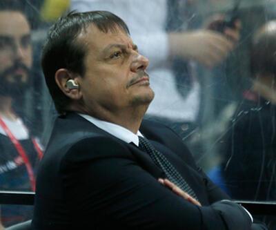 Ergin Ataman maça kulaklıkla çıktı