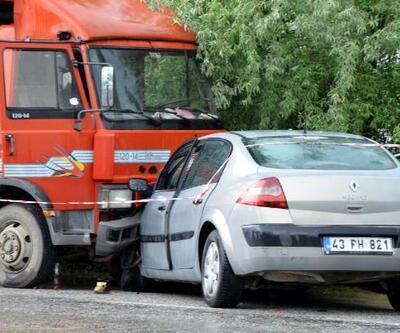 Kamyonla, otomobil çarpıştı: 1 ölü, 5 yaralı