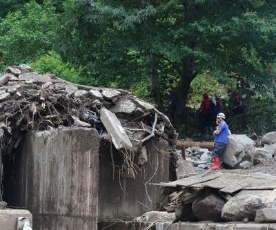 Araklı'da sel felaketindeki yıkım fotoğraflarda