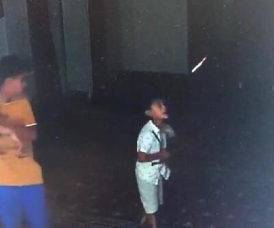 Camide üzerine ayakkabı dolabı devrilen çocuk öldü
