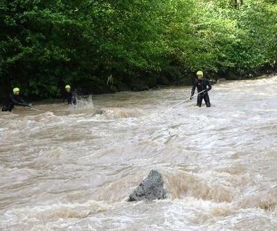 Araklı'daki selde kayıp 2 kişi aranıyor