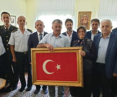 Balıkesir'de, 15 Temmuz şehidinin mezarına ziyaret